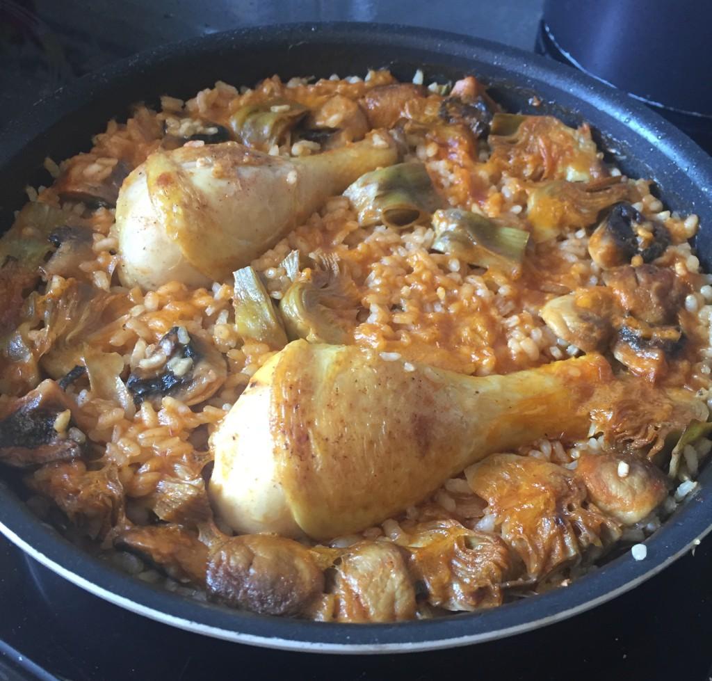 Arroz de alcachofas y pollo